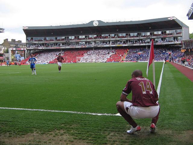 The_last_ever_game_at_Highbury.jpg
