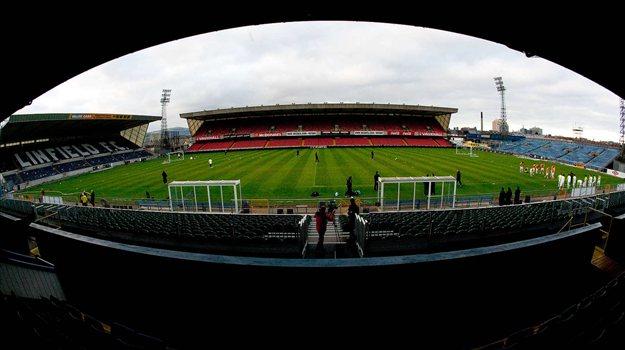 Belfast (stade actuel).jpg