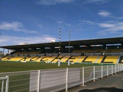 Stade_rochelais_tribune.jpg