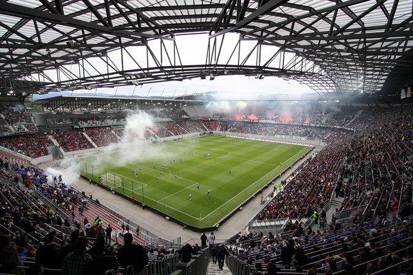 Wörtherseestadion_beim_Endspiel_im_ÖFB-Cup_2010.jpg