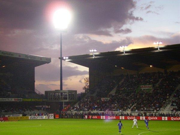 Auxerre_-_Stade_Abbé-Deschamps_(28).jpg