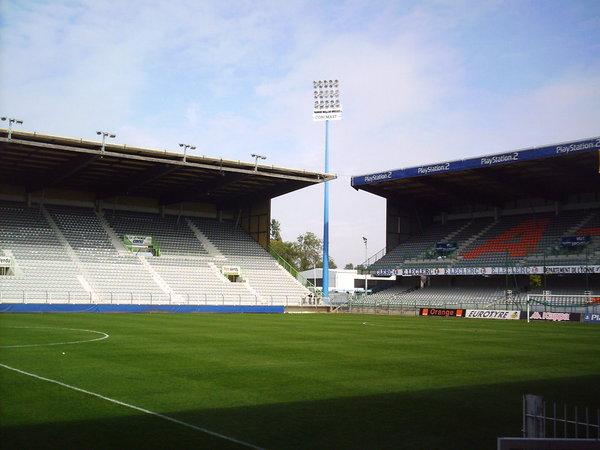 Stade_Abbé-Deschamps_(9).jpg