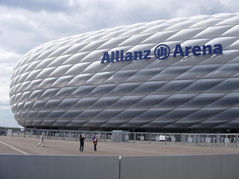 Allianz_Arena_2005-06-10.jpeg
