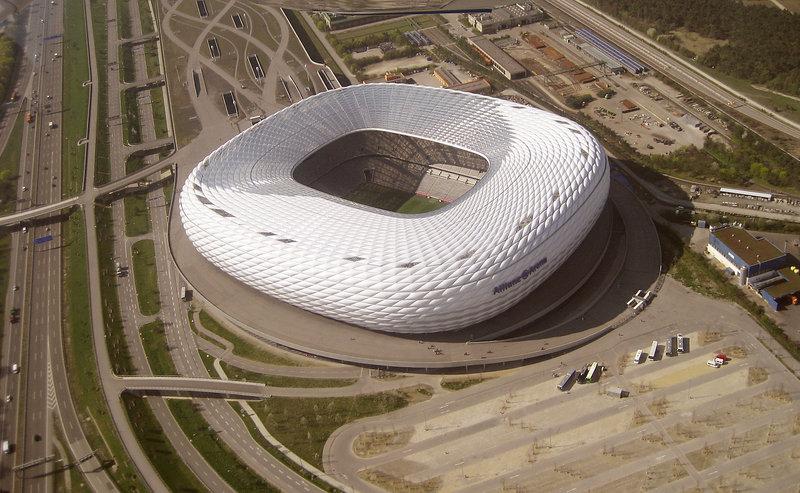 München_-_Allianz-Arena_(Luftbild).jpg
