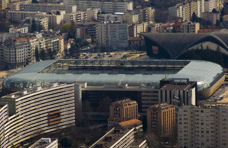 Stades_des_Alpes_depuis_la_Bastille_by_Matthieu_Riegler.jpg