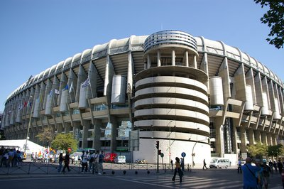Estadio_Santiago_Bernabeu_-_vista_exterior.jpg