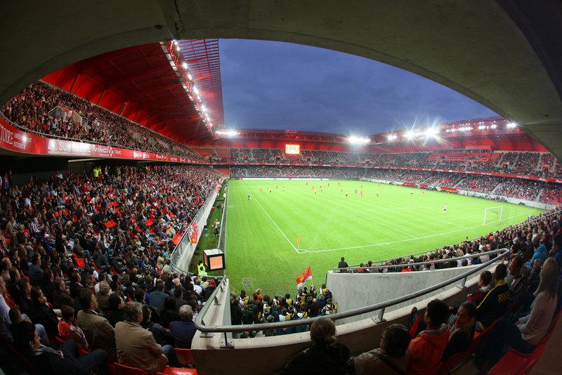 stade-du-hainaut-tribune.jpg