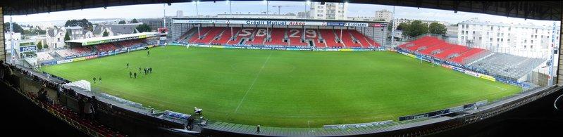 Vue_panoramique_du_stade_depuis_le_tribune_Foucauld.jpg