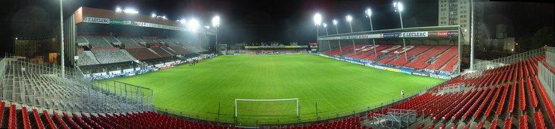 Vue_panoramique_du_stade_depuis_tribune_Eurodif.jpg