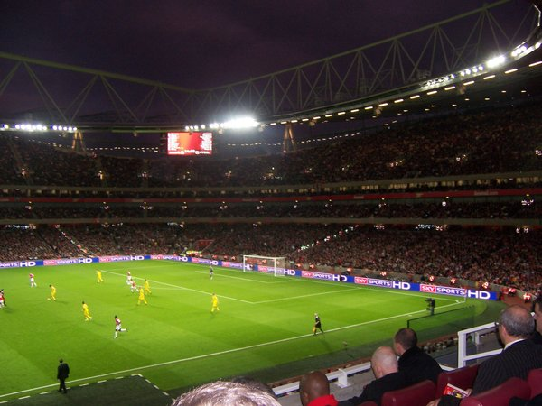 Emirates_Stadium.jpg