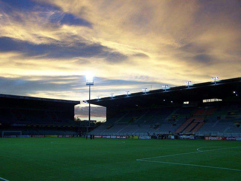 Auxerre_-_Stade_Abbé-Deschamps_(48).jpg