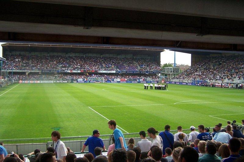 Auxerre_-_Stade_Abbé-Deschamps_(46).jpg