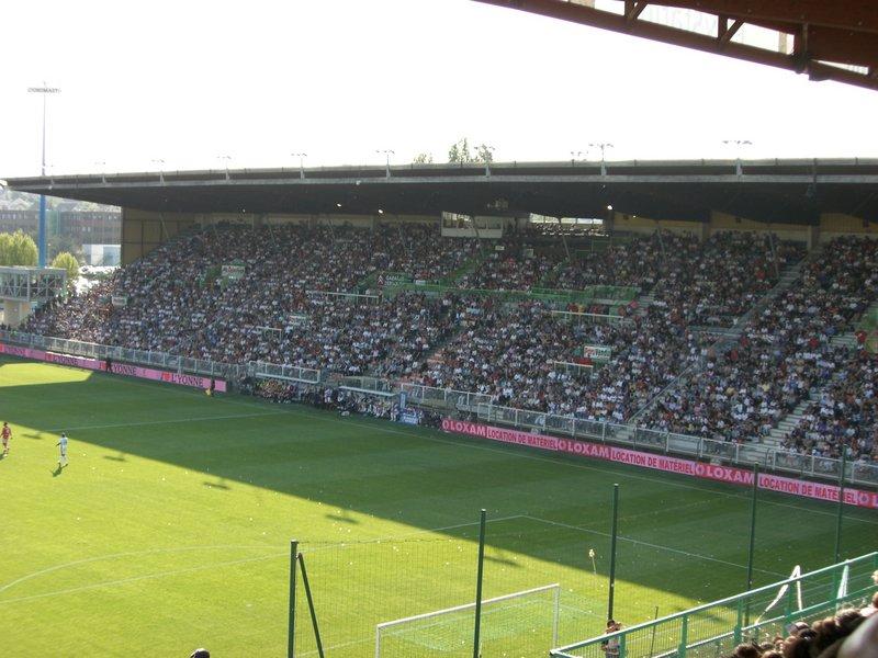 Auxerre_-_Stade_Abbé-Deschamps_(42).jpg