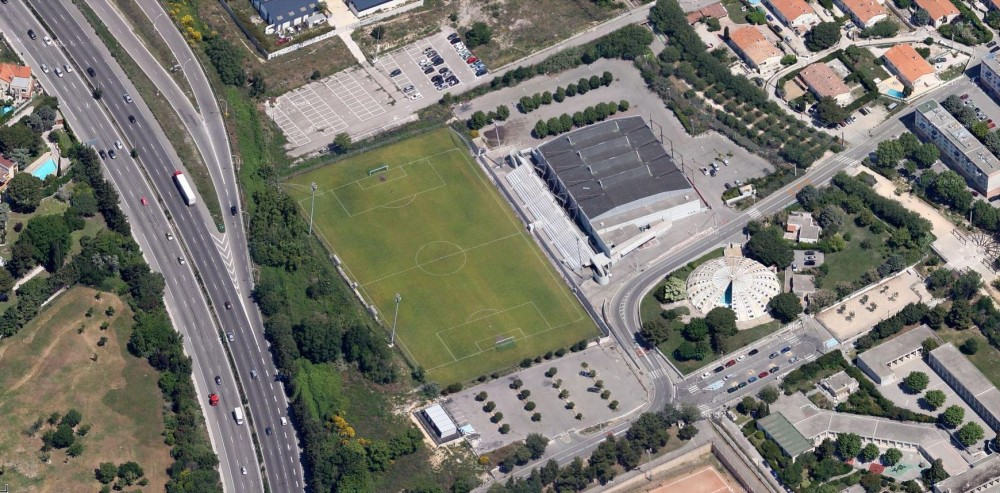 Stade de la Martine (GS Consolat).JPG