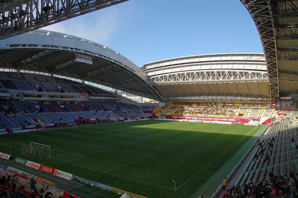 Inside_View_of_Kobe_Wing_Stadium.jpg