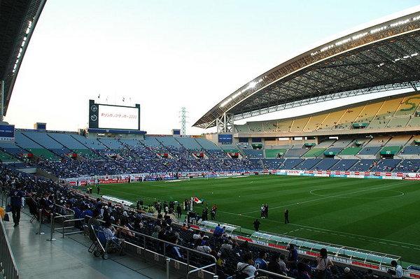 800px-Saitama_Stadium_Japan_vs_Paraguay.jpg