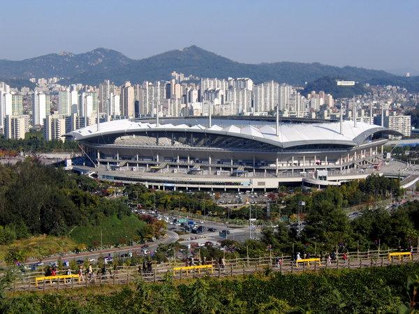 Seoul_World_Cup_Stadium.jpg