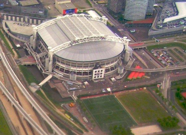 Amsterdam_Arena_Roof_Closed.jpg