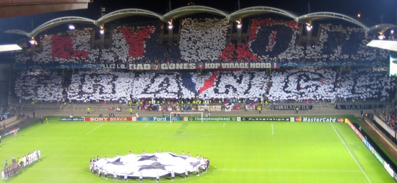 Before_Olympique_lyonnais_-_Real_Madrid_match-modified.jpg