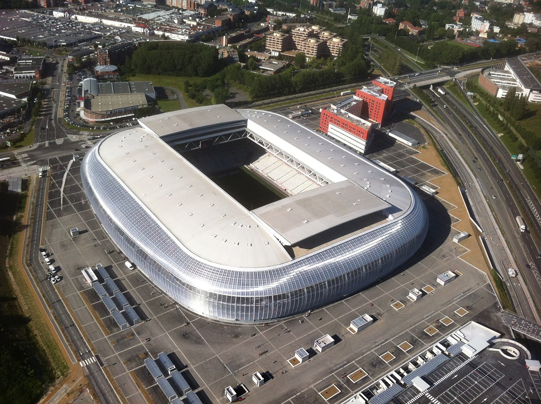 Nominate your favorite european football stadiums for the for Stand lille