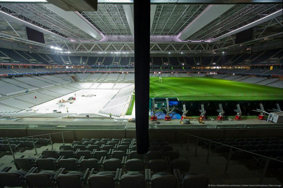 Le concert de rihanna dans l 39 arena du grand stade de lille for Interieur u arena