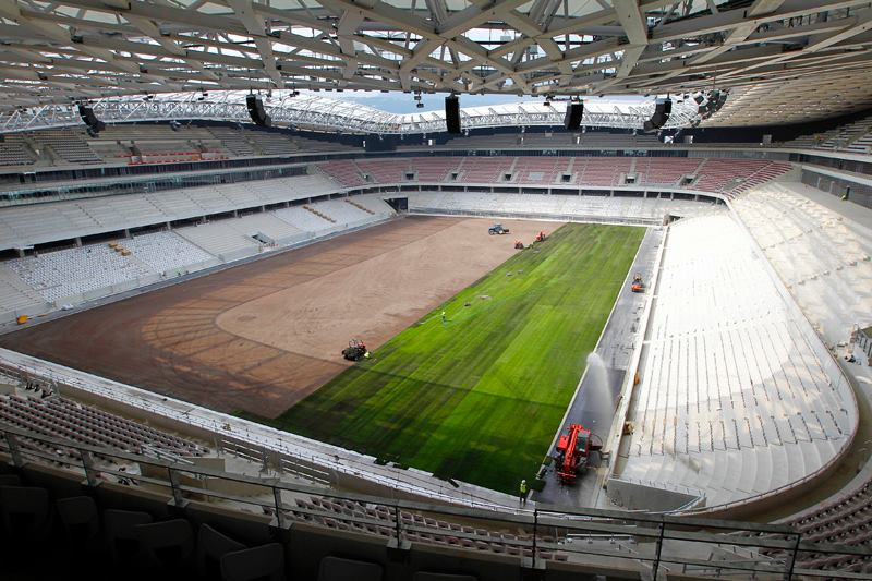 http://www.info-stades.fr/images/euro2016/nice-allianz-riviera/pelouse-allianz-riviera-nice-1.jpg