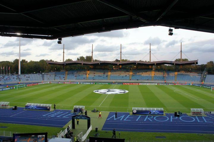 Renault Lille Métropole Villeneuve D Ascq : stadium lille m tropole info stades ~ Gottalentnigeria.com Avis de Voitures