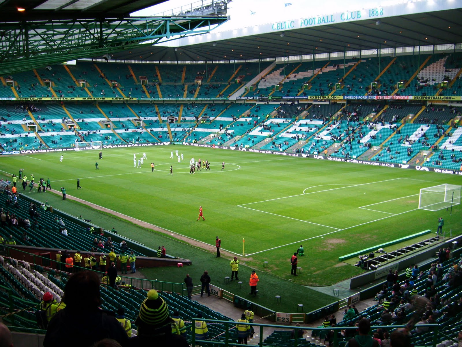 celtic-park-spectators-58352.jpg