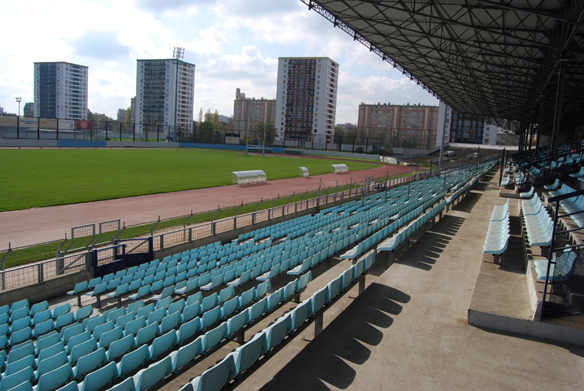 Stade olympique yves du manoir info stades - Piscine du stade olympique ...