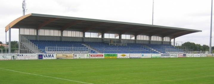 Stade de l 39 idonni re info stades for Piscine poire sur vie