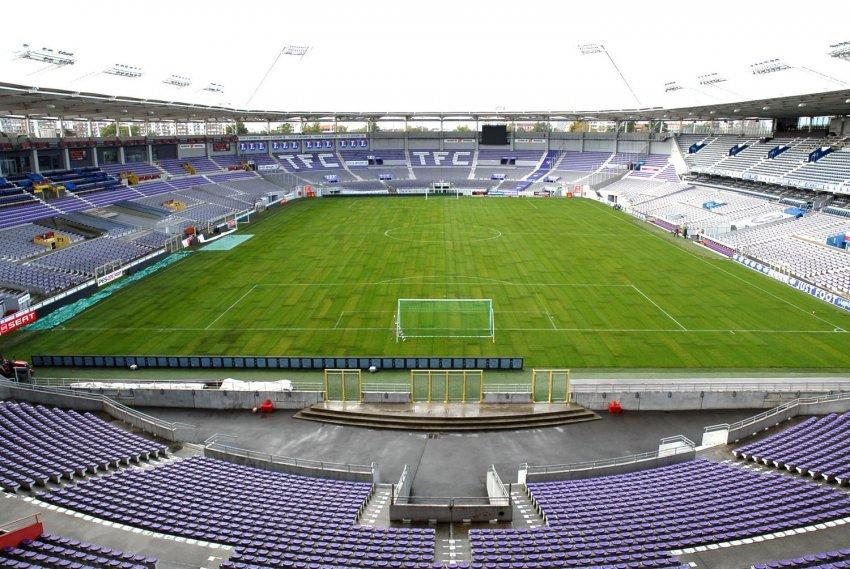 http://www.info-stades.fr/uploads/stades/toulouse-stadium1.jpg