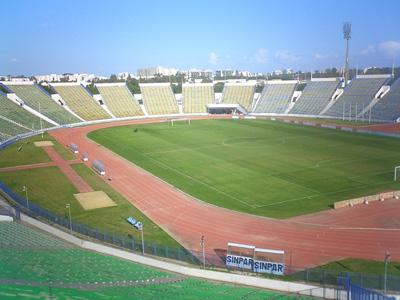 Stade olympique d 39 el menzah info stades for Club de natation piscine parc olympique