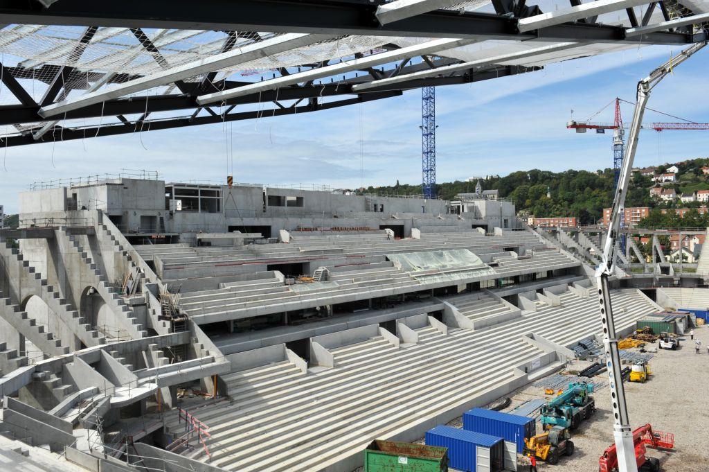 http://www.info-stades.fr/wp-content/uploads/2011/08/2011-08-16_Grand_Stade_PBoulen_118.jpg