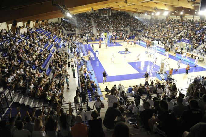 http://www.info-stades.fr/wp-content/uploads/2011/09/GMED_B1DC72A0-5E0C-4300-9D88-537AF8C21FDD.jpg