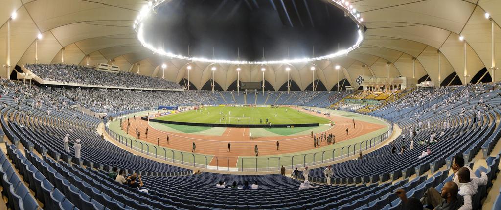 Resultado de imagem para King Fahd Stadium em Riade